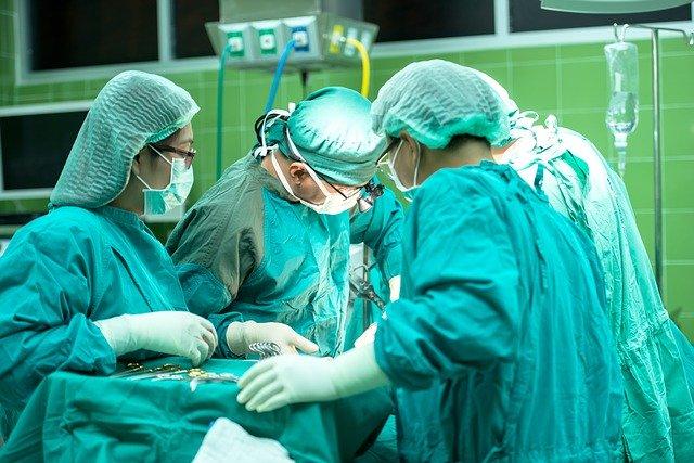 surgery-1822458_640