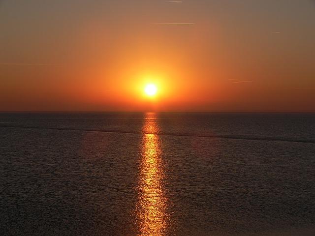 sunset-2710408_640